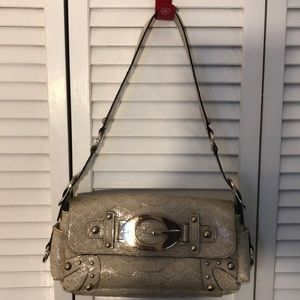 Tan guess shoulderbag